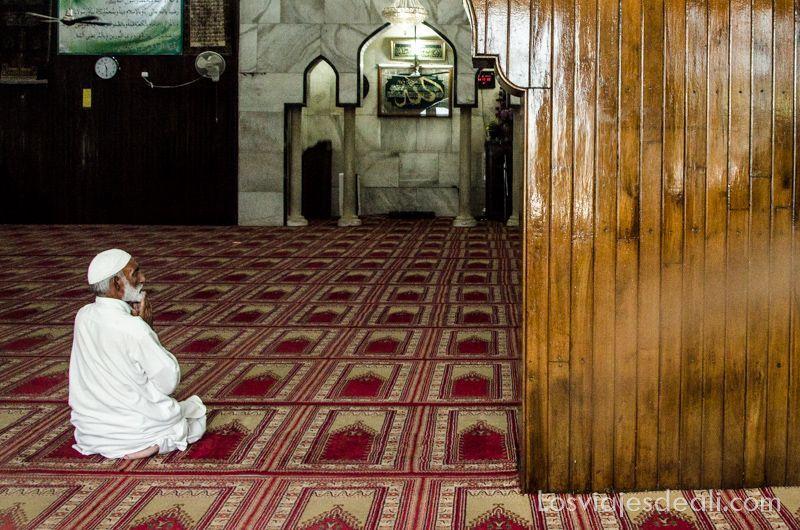 interior mezquita Srinagar