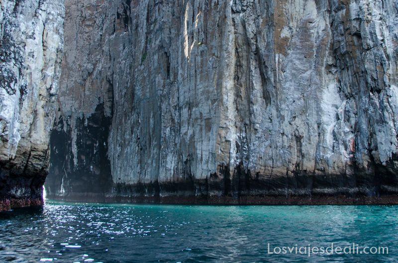roca león dormido en isla San Cristóbal