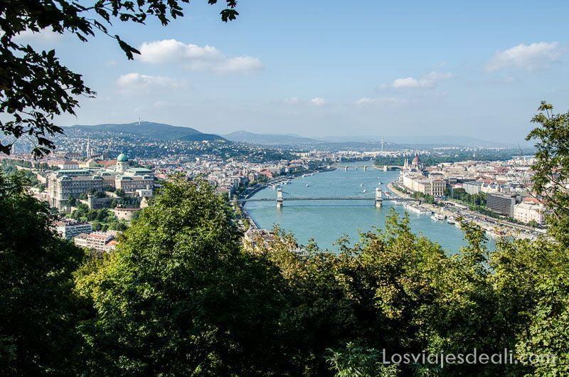 Budapest desde las alturas monte Gellert