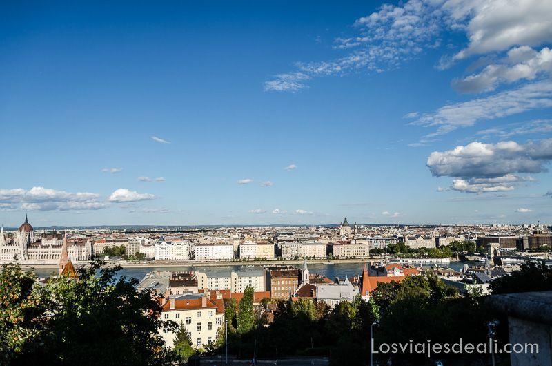 Budapest desde las alturas vistas Bastión Pescadores