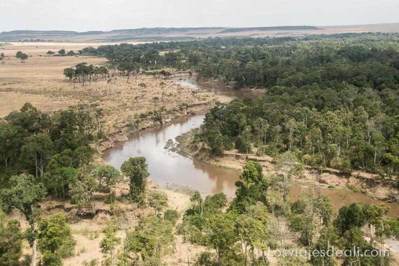 dos días en masai mara río mara
