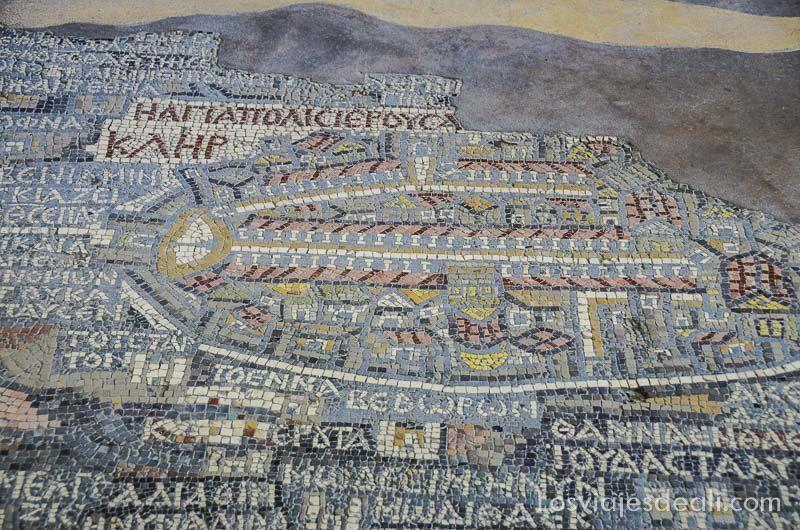 madaba iglesia mosaico