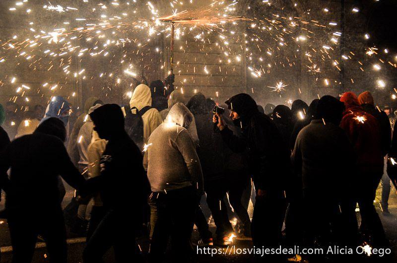 fiestas en palma bajo el fuego correfocs