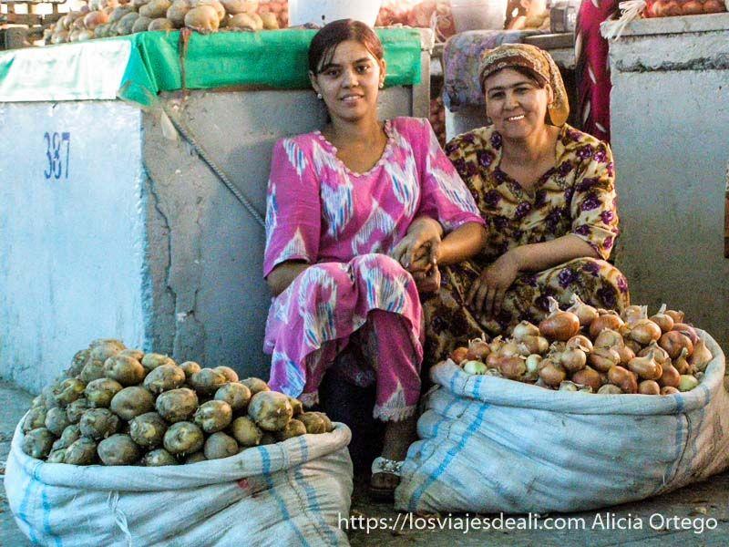 mujeres del mercado de Samarcanda