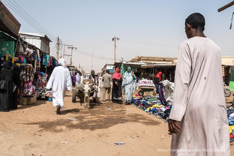 primer día en Sudán mercado de Dongola