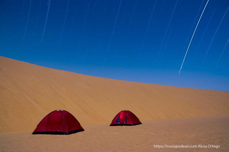 trazas de estrellas en el desierto de Sudán
