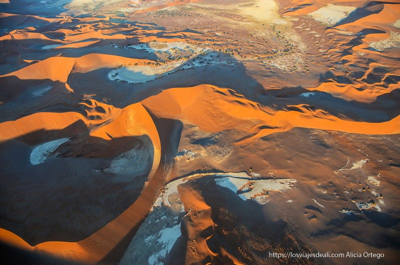 dunas con forma de corazón en el desierto del Namib