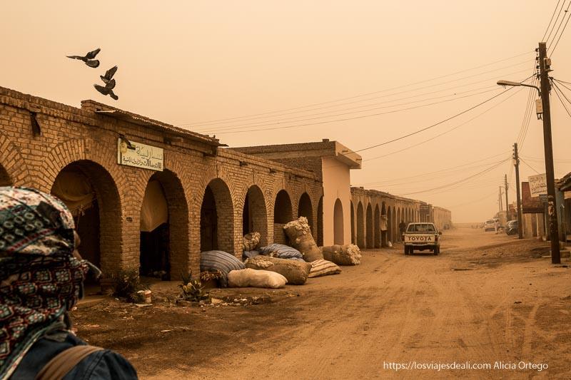 calles barridas por el viento y la gran tormenta de arena en Sudán