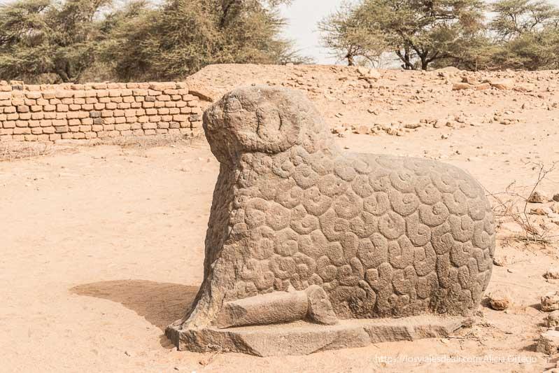 dios amon ra en forma de carnero en royal city meroe