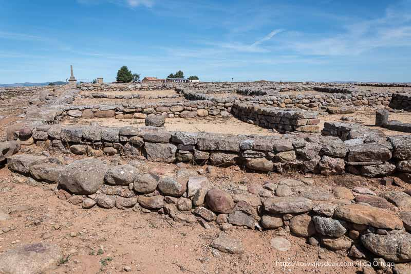 muros de las casas de numancia soria romana