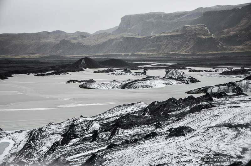 paisaje volcánico desde lo alto del glaciar