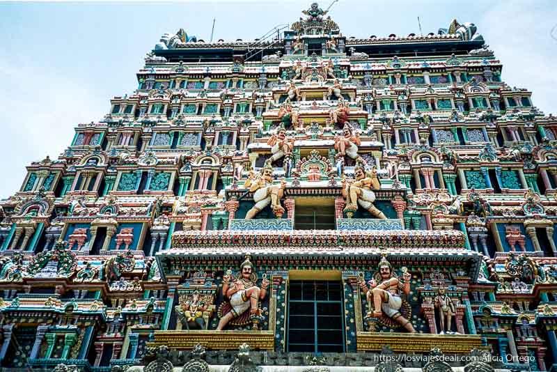 templo de chindanbaram pintado de colores tamil nadu