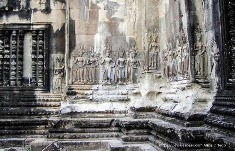 relieves en paredes templo templos de angkor
