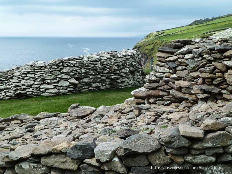 ringfort al borde de acantilado de dingle yacimientos arqueológicos en irlanda
