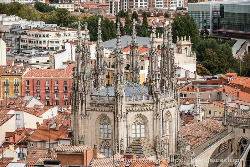 torre de catedral de burgos fin de semana cidiano