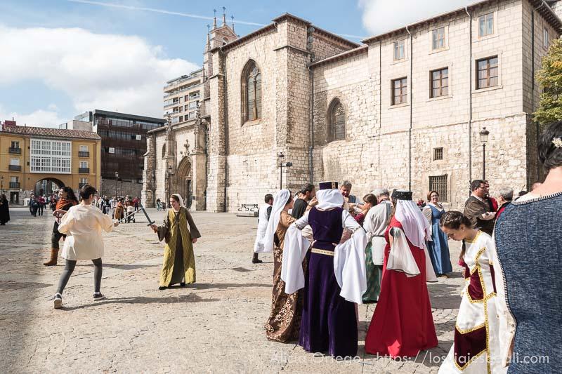 figurantes vestidos de medieval en fin de semana cidiano