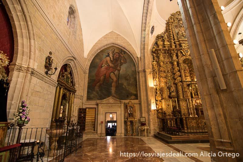 cuadro de jesús llevando bola del mundo en la iglesia santa maría la mayor escapada a ronda