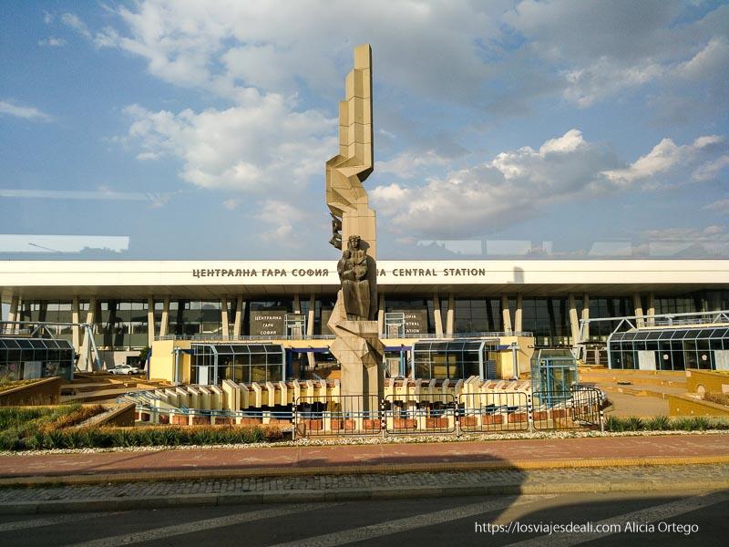 estación central de tren de sofía