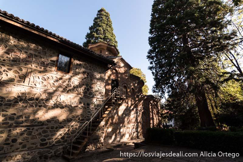 exterior de la iglesia de boyana