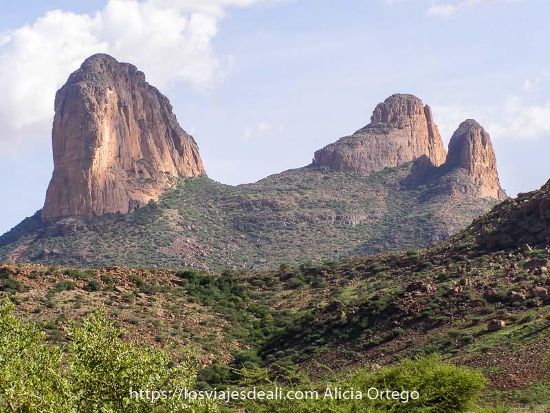 Fotos de Mali: montaña Kaga Tondo con forma de tres dedos gigantes