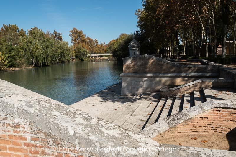 embarcadero real junto al río Tajo