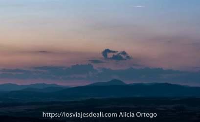 paisaje de guadalajara al anochecer con nubes de color rosado en el 2020