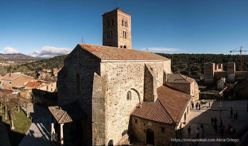 iglesia de Buitrago del Lozoya vista desde la parte superior de las murallas