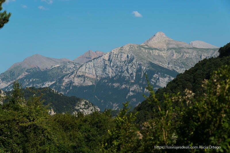 vista de los Pirineos desde Tella