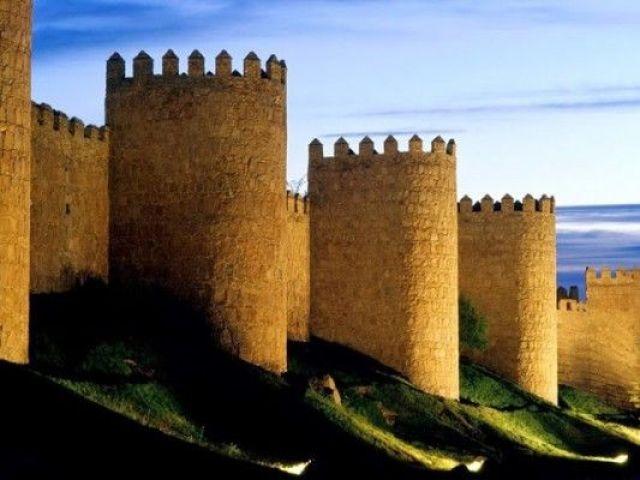 Murallas de Ávila, Los monumentos más importantes de España