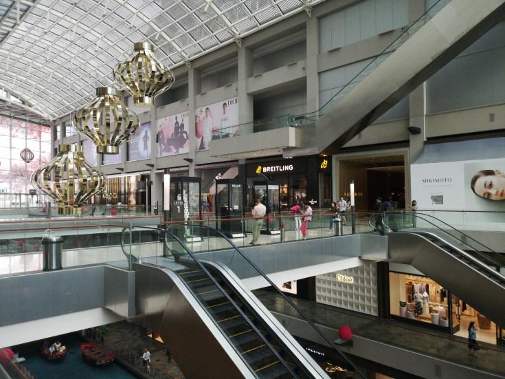 Interior Centro Comercial Marina Bay