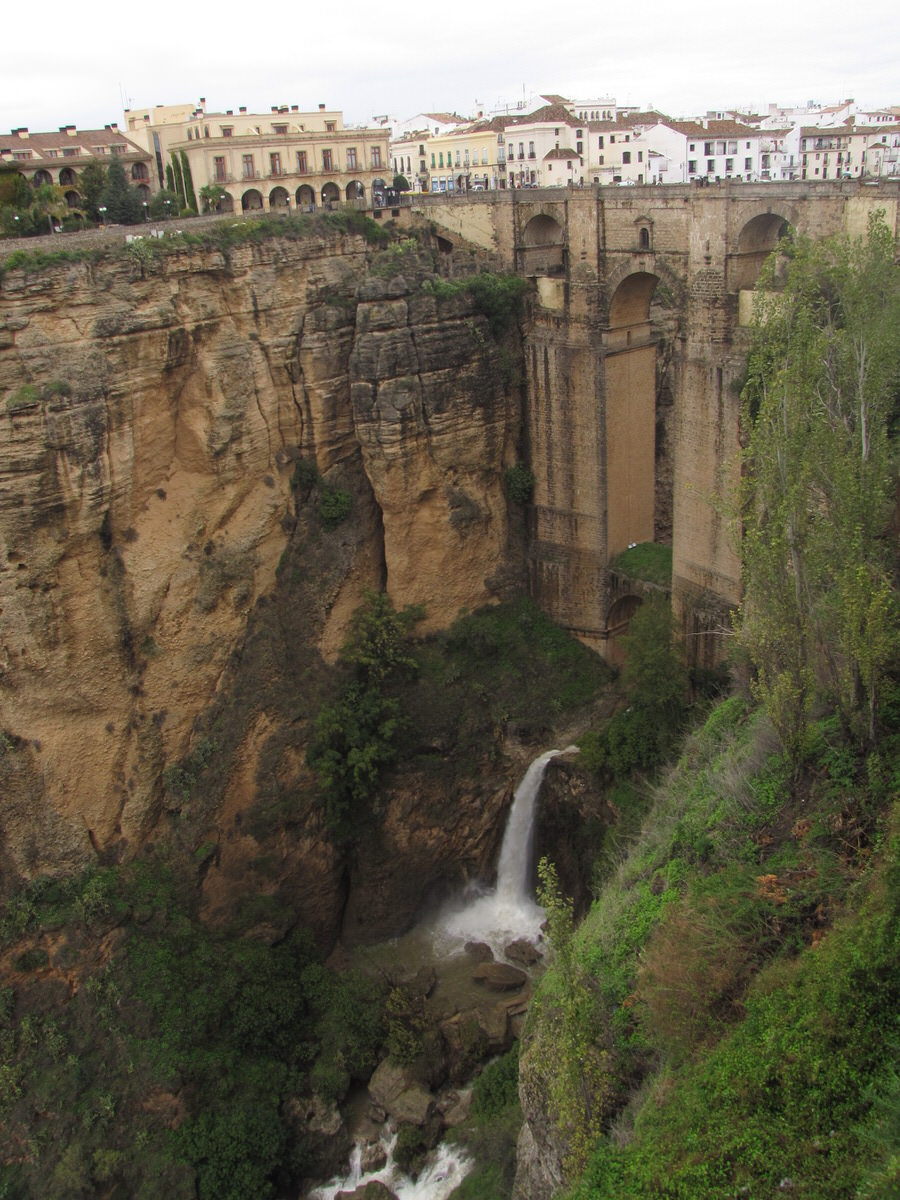 -Caudal en Puente Nuevo en estación de lluvias-