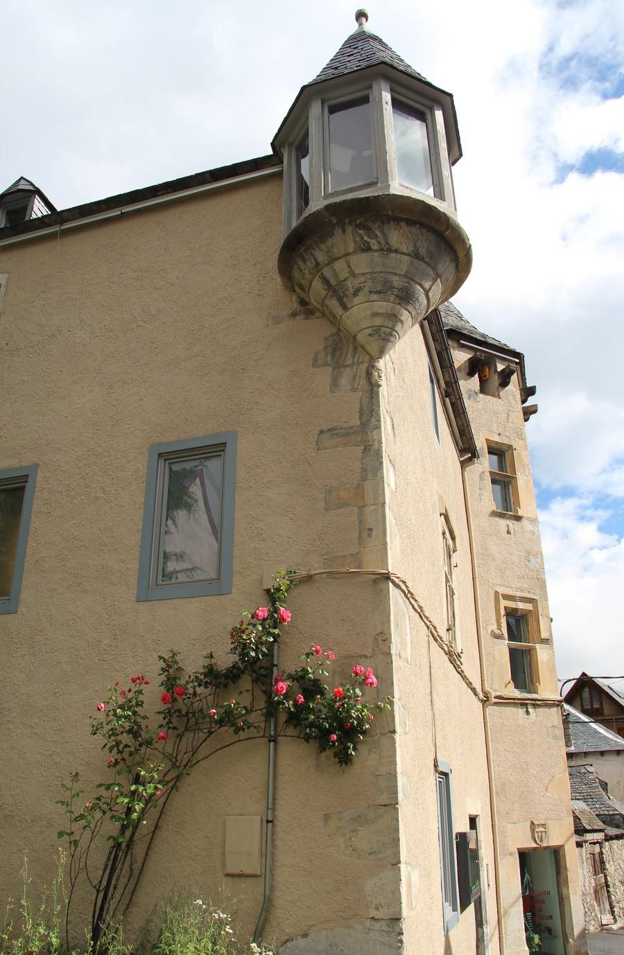 -Torre donde se sitúa el museo de Vielha-