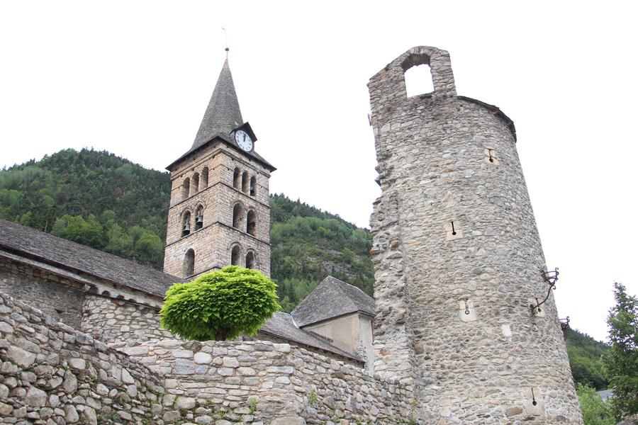 -Iglesia de Santa María en Arties-