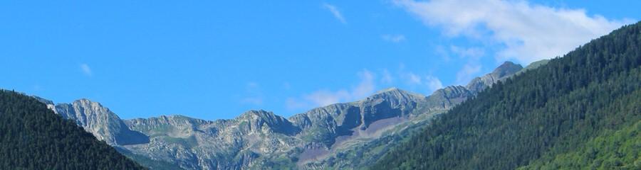 img_4389-3.jpg -Imagen de las montañas del valle, Girona-