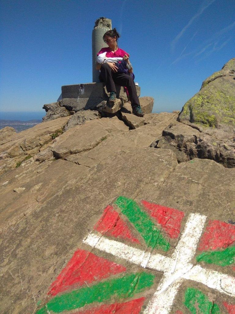 Lactancia en la cima del Monte Adarra