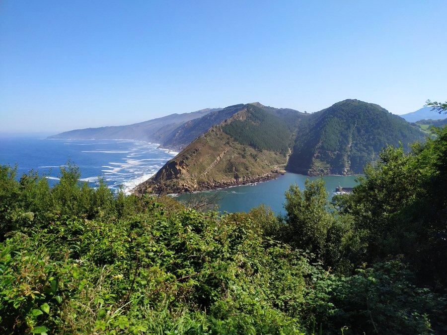 -Vistas a la bahía de Pasaia-
