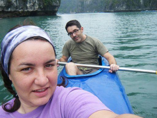 Navegando por la Bahía de Ha-Long