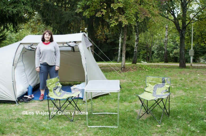 Elena en el camping