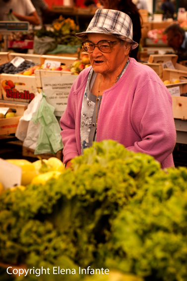 Clienta en el mercado