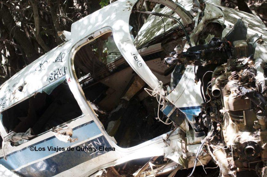 Restos de la avioneta estrellada