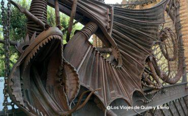 Dragon de los Pabellones Guell