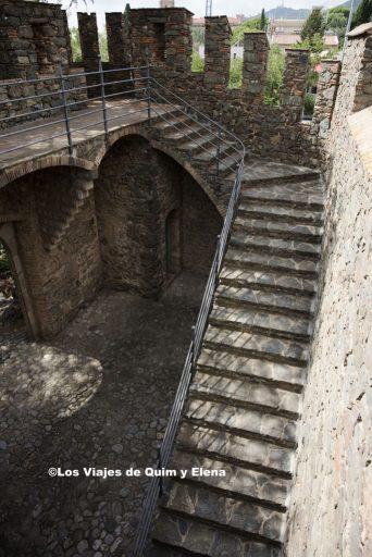 Parte restaurada del antiguo castillo de Torre Bellesguard