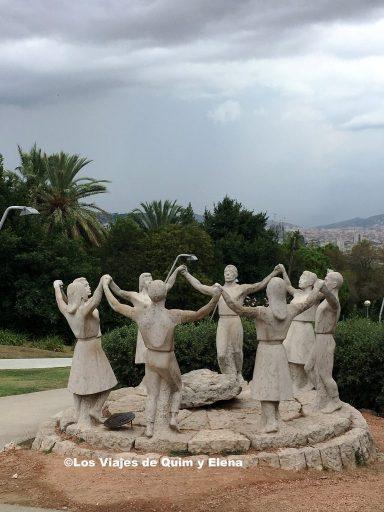 Monumento a la Sardana junto al Mirador del Alcalde