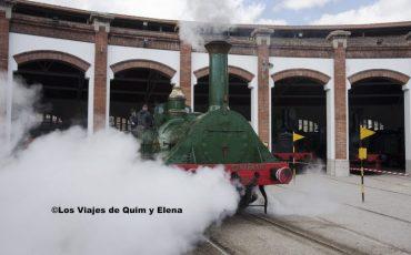 La locomotora Mataró en acción en el museo del ferrocarril de cataluña