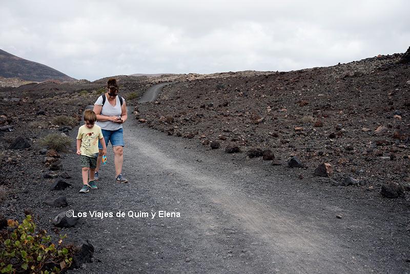 Caminando hacia la Bomba Volcánica