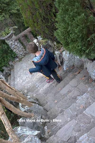 Éric en los Jardines Artigas en La Pobla de Lillet
