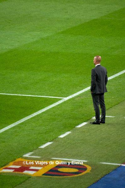 Pep Guardiola dirigiendo el último partido