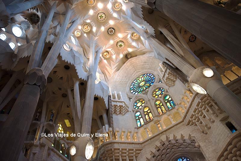 Interior de la Basílica de la Sagrada Familia