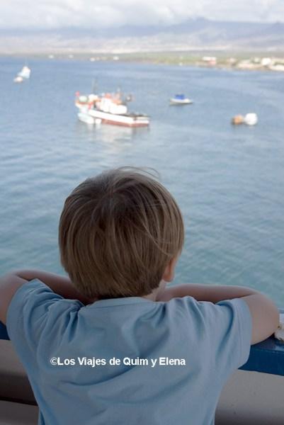 Éric en un ferry en Cabo Verde
