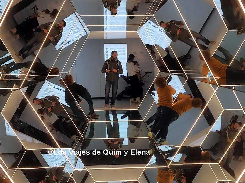 """Exposición temporal """"Espejos"""" en Cosmocaixa"""